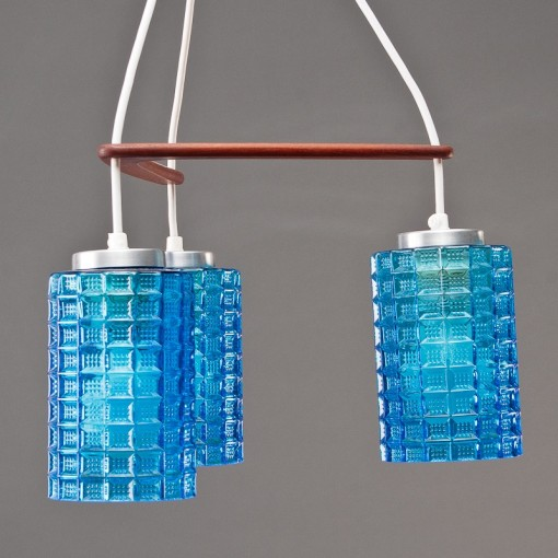 Vampt Vintage 3-drop Pendant Lamp Blue-glass multi-shade pendant with a teak boomerang mounting Denmark